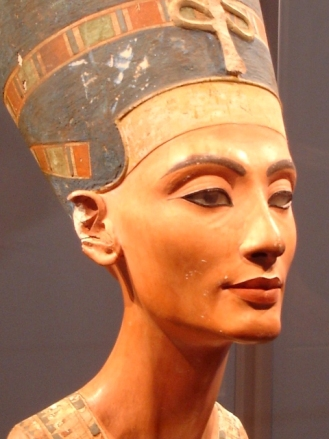 Statue of the ancient Egyptian queen Nefertiti