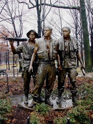 Bible warriors & soldiers: Gideon. Memorial statue of three soldiers