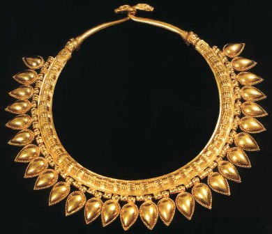 Heavy gold necklace from the excavated palace at Nimrud