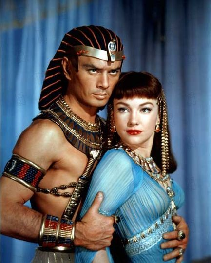 Bible Movies, films. Yul Brynner and Anne Baxter in 'The Ten Commandments'