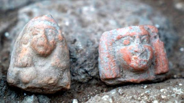 Female figurines found at Nahariyah