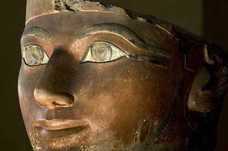Statue of a beautiful woman from ancient Egypt
