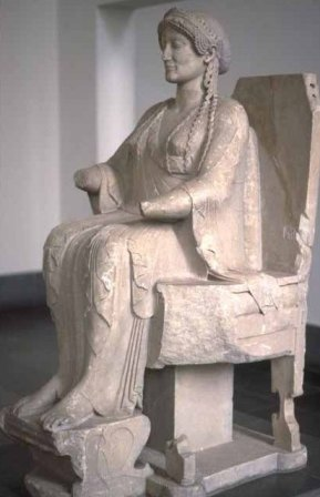 Ancient statue of a queen
