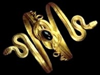 Gold spiral bracelet of two snakes whose tails are tied in a Hercules knot; from Eretria, on the island of Euboea, 4th–3rd century BC.