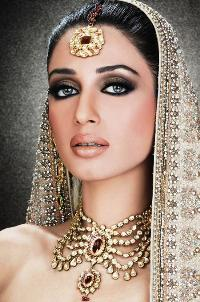 Bible Heroines: Esther. A Middle Eastern woman loaded down with jewelry