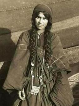 Bedouin-girl-photograph