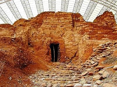 Middle-Bronze-mudbrick-gate