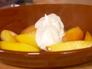 Food in ancient times: cooked fruit with yoghurt and honey