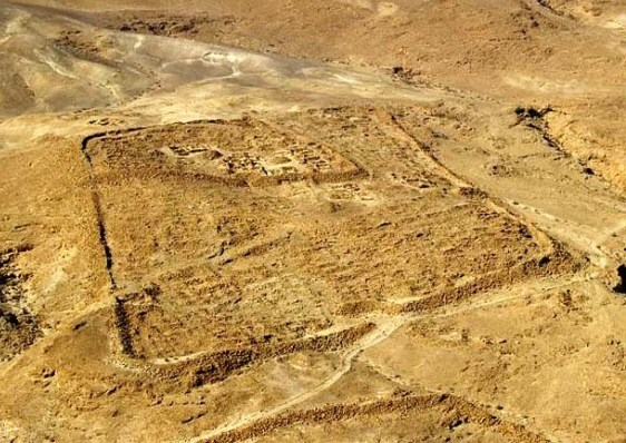 Outline of the Roman army camp at Masada