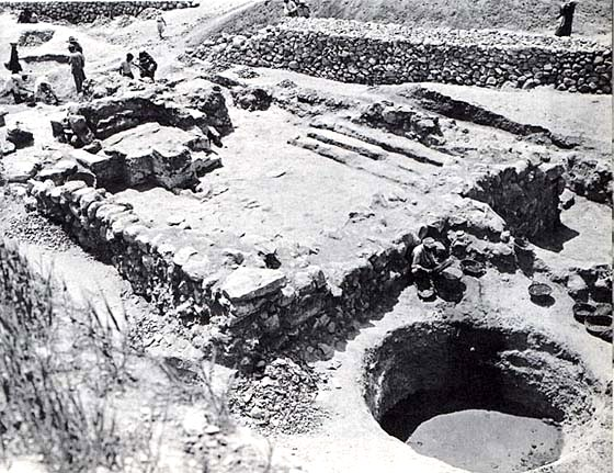 Excavation of the ancient temple at Lachish