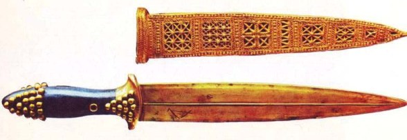 gold sword and gold-decorated sheath from the royal cemetery at Ur. Circa 2500BC